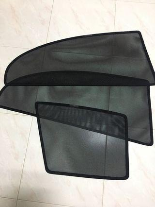 Magnetic sunshade for civic FD