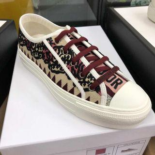 Christian Dior CD sneakers 波鞋! Size 39, 40! $4980