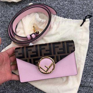 Fendi chain bag /belt bag 鍊包十腰包!兩用!兩個色 ! 粉//紅色