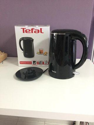 🚚 Electric Kettle 1.7L