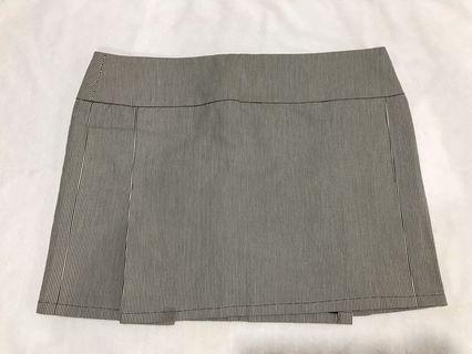 Burberry skirt 短裙