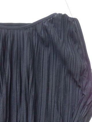 🚚 Black Pleated Dress