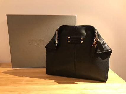 [全新 new ] McQueen 黑色皮手包 clutch in black