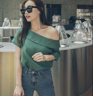 二手|Mercci22 咖啡色 反折造型平口上衣