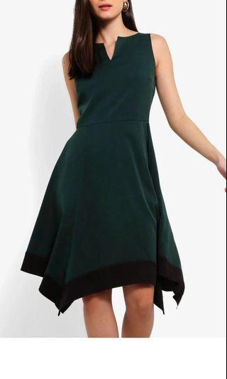 [Nego](Size L - XL) Handkerchief Dress with Notch Detail in Dark Green and Black #Paradigm