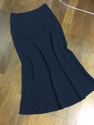 🚚 深藍素色包臀魚尾長裙