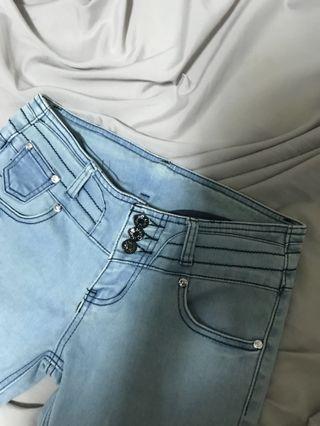 淺色單寧牛仔窄管長褲