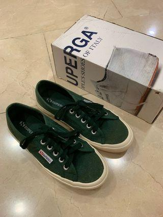 superga pine green