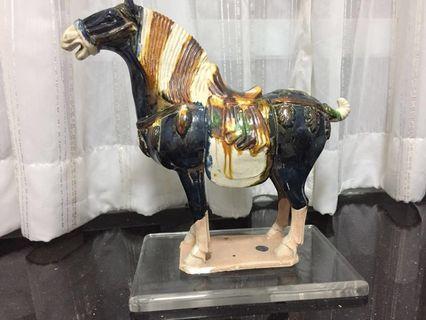 仿唐代陶瓷三彩馬