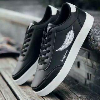 Sepatu sneakers wanita motif daun