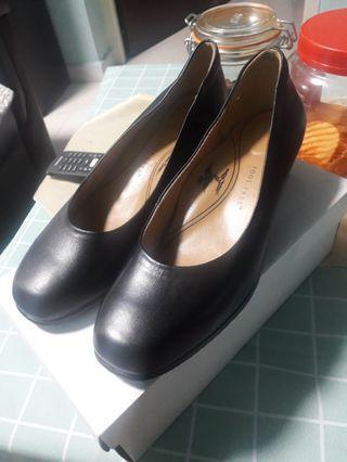 🚚 Black Work shoes