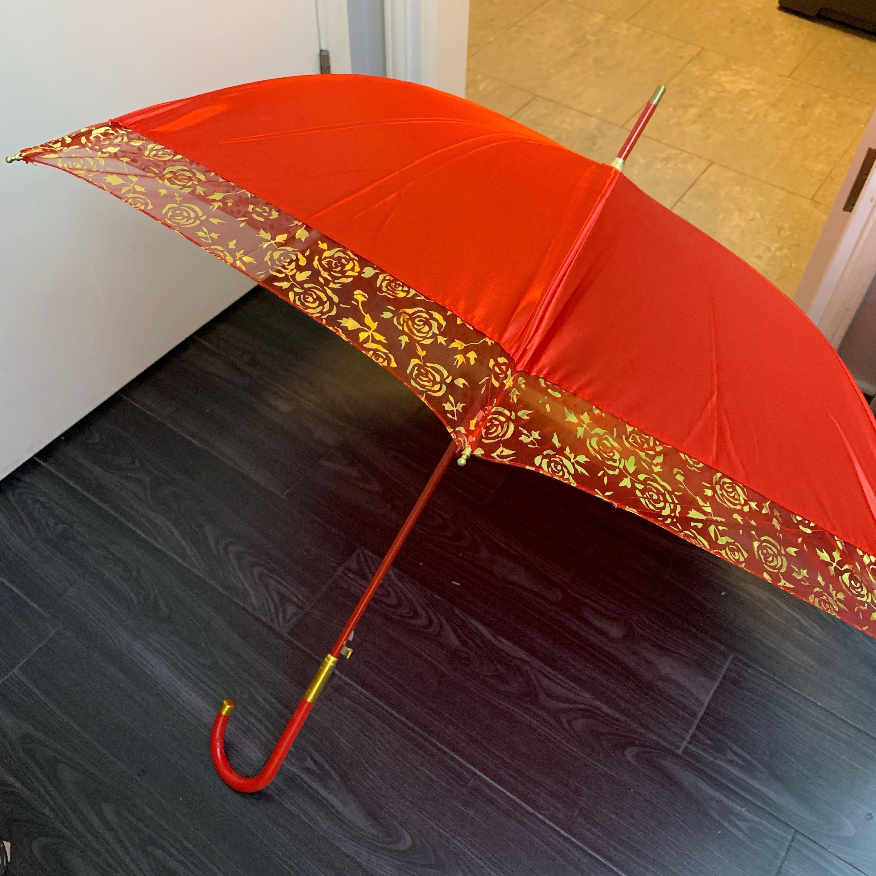 出門 紅傘 金邊蕾絲玫瑰花