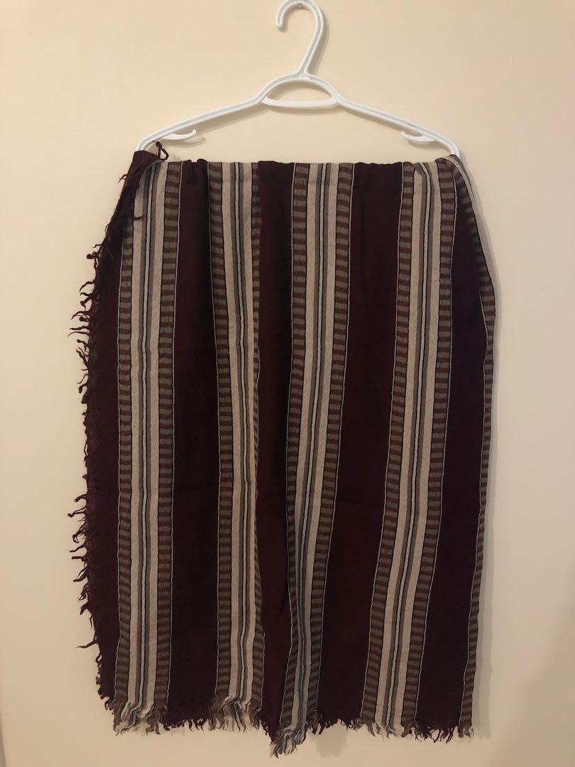 Aritzia burgundy striped wool blanket scarf discontinued colour)