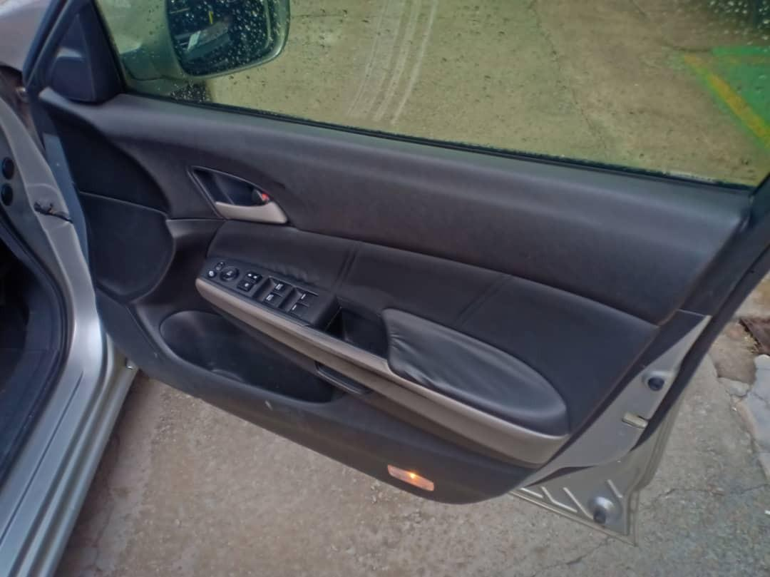 HONDA ACCORD 2.0 AUTO V-TILL FULL SPEC TAHUN 2011 (BLACKLIST/KEJE SENDIRI/GAJI CASH/STUDENT/E-HAILING/LESEN TAKDE CAN APPLY)