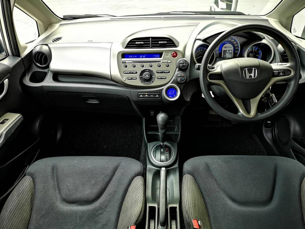 HONDA JAZZ 1.3 2013 F-SERVICE RECORD 19K MILEAGE ONLY
