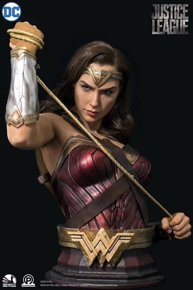 Infinity Studio - DC Series: 1/1 Wonder Woman Half Torso Bust (Non ...
