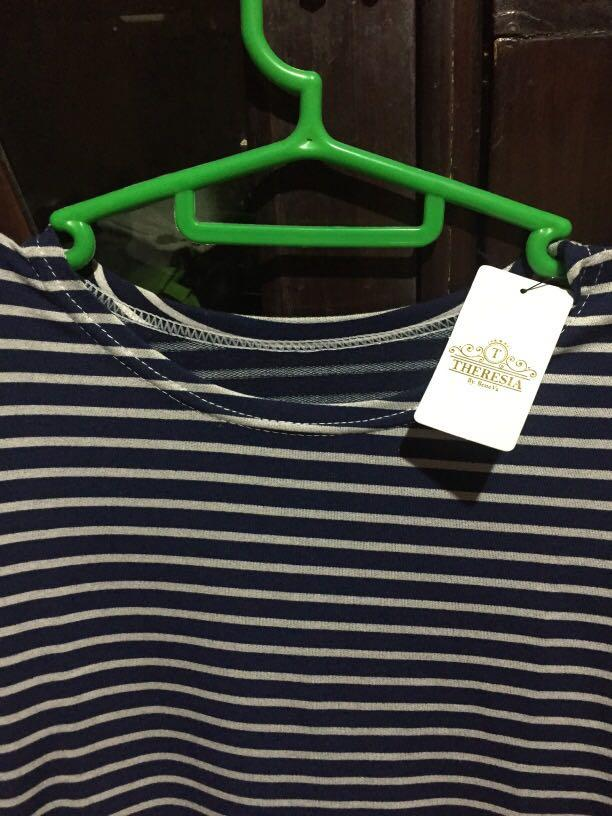 Kaos stripe biru