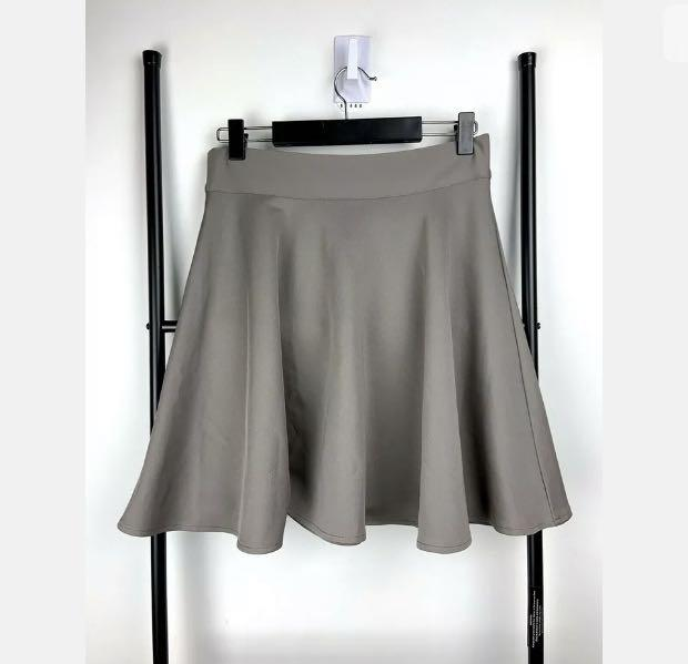 Light brown grey skater skirt sz S/M stretch casual basic dance ballet