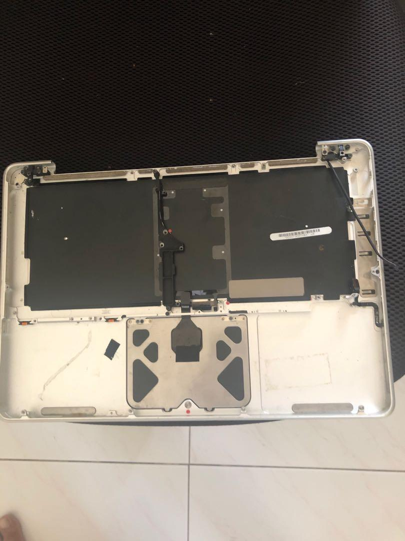 MacBook Pro 13 in Keyboard And trackpad C2 Duo 2.4 Ghz