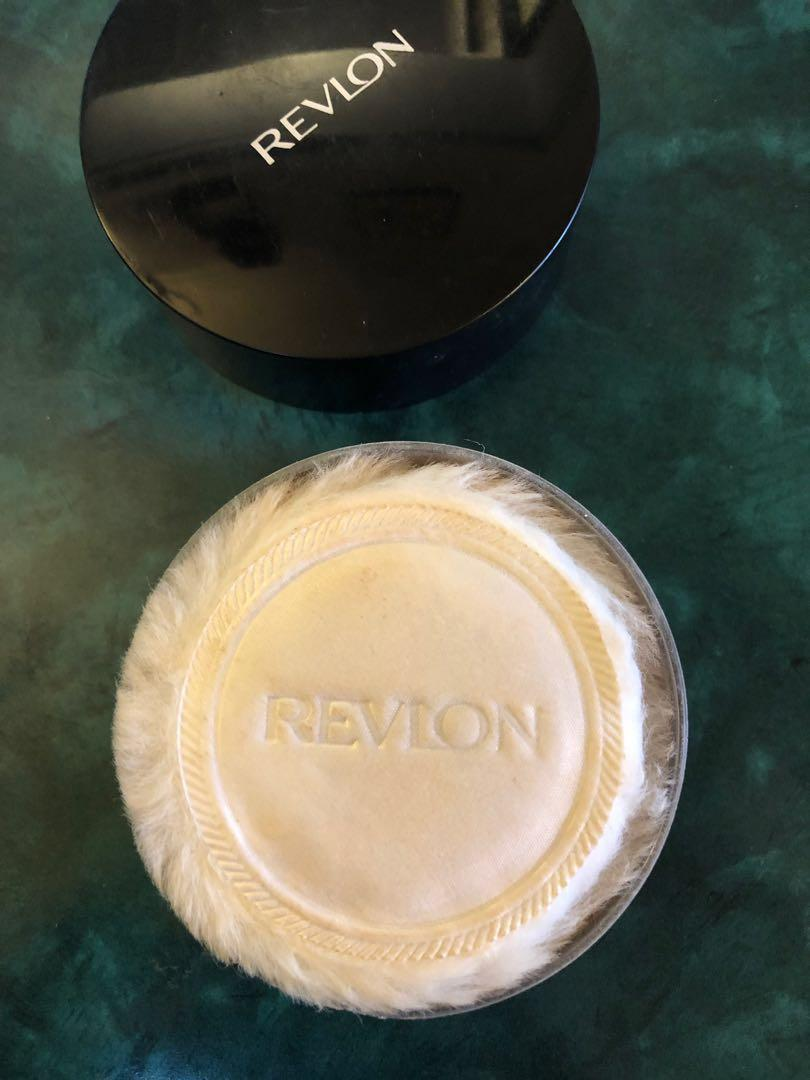 Revlon Touch and Glow Translucent Face Powder with puff