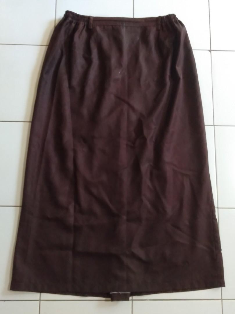 Satu Set Seragam Pramuka Baju dan Rok Panjang