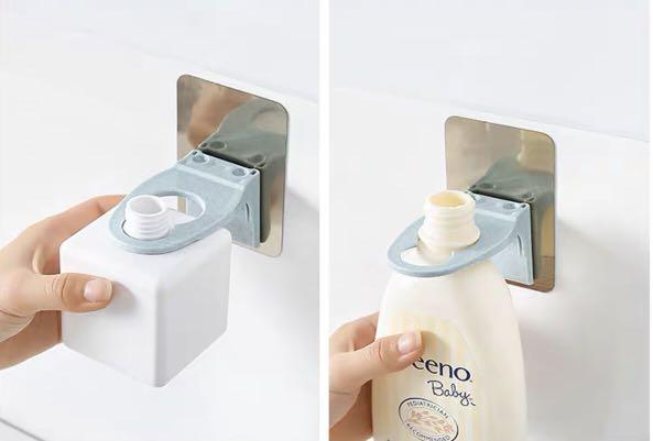 Toiletries holder