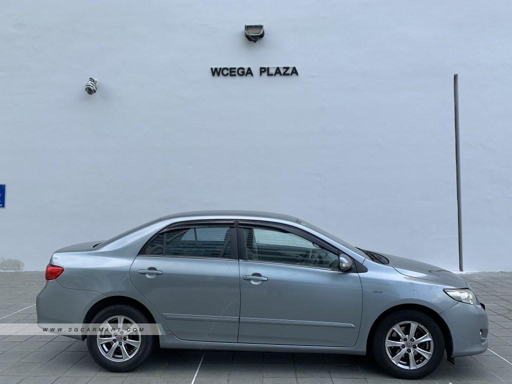Toyota Corolla Altis 1.6 LX Auto