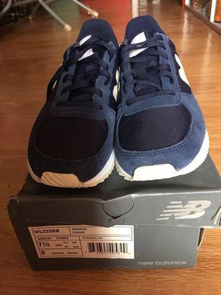 New balance women's running course sneakers NEW