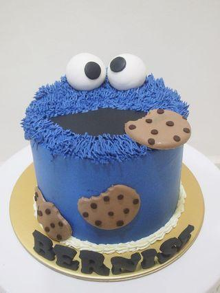 🚚 Cookie Monster cake