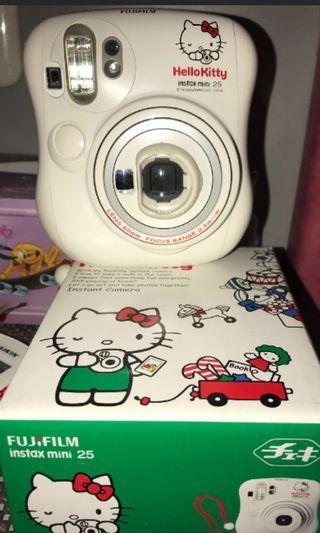 "FUJIFILM polaroid instax mini 25 ""limited edition HELLO KITTY"""