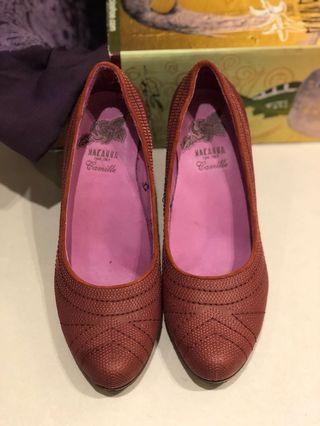 麥肯納全牛皮磚紅色優雅堅固好穿粗跟包鞋