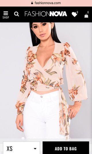 Fashion nova Nude Floral Wrap Top