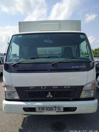 10ft and 14ft box lorries cheap rental