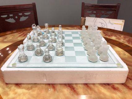 Glasses Chess Board Set