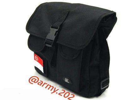 D&G Explorer Sling Bag