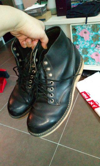 Red wing blk leather boots