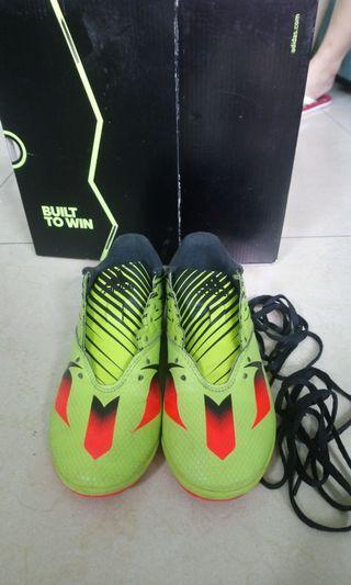 Adidas 兒童足球鞋