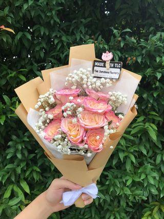 10 Two Toned Roses Bouquet