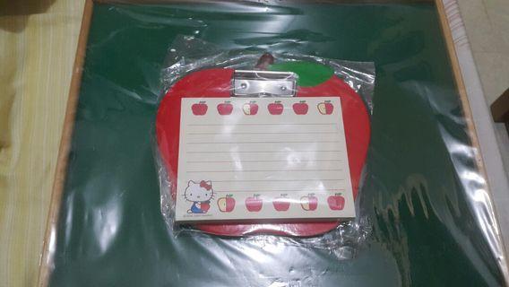 Hello kitty 紅蘋果 memo紙 和 蘋果板