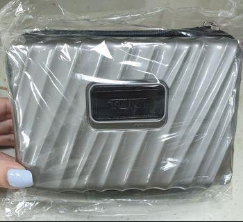 🚚 行李箱造型硬殼收納包