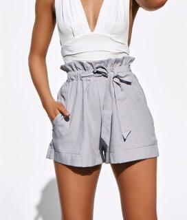 White/cream, paper bag waist tie shorts