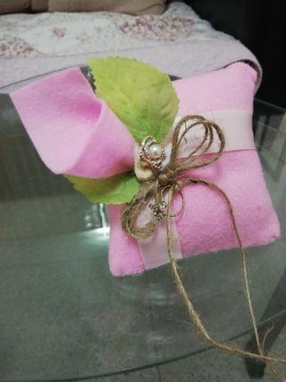 Flower design ring pillow
