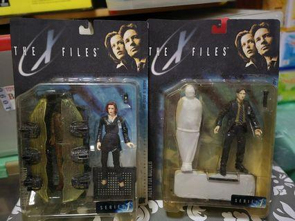 X-Files Macfarlane toys Dana Scully and Fox Mulder Movie figures