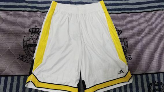 🚚 Adidas 運動短褲 休閒褲 籃球褲 白黃 L
