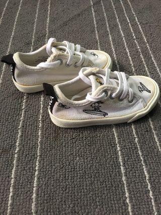 Sepatu zara baby Snoopy Original size 21/22
