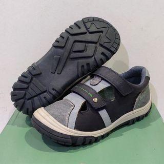 Clarks Neilsen Kids shoes