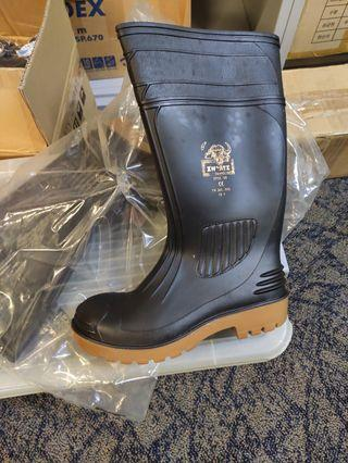 Inyati safety rubber boots