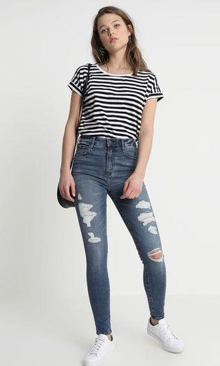 Abercrombie and Fitch medium destroy Simone jeans