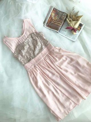 Dreamy pink sequins dress