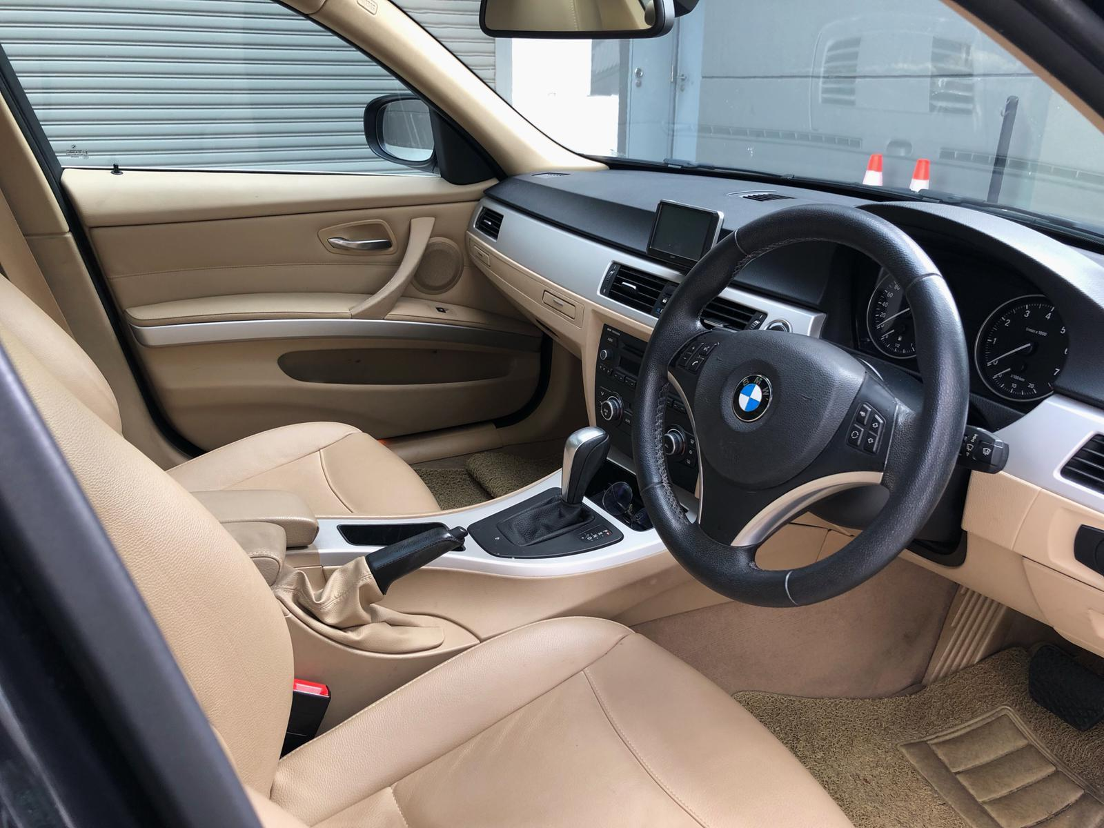 BMW 325i CONDI CAR top conditon Grab Rental Gojek Or Personal Use Low price and Cheap
